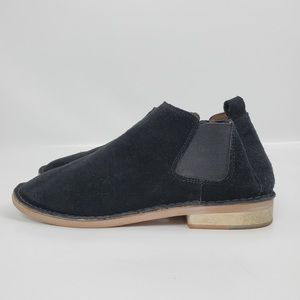 Steve Madden suede size 8 booties